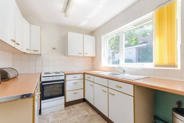 Flat for sale in Homelands Drive, Crystal Palace, London
