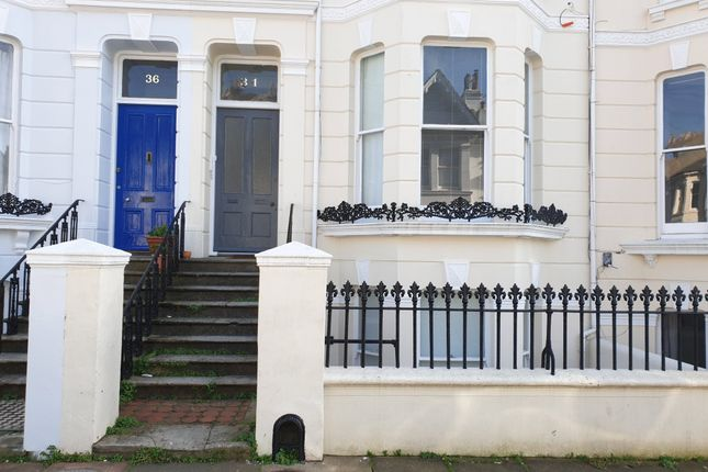Thumbnail Flat to rent in Stanford Road, Brighton