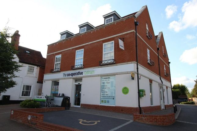 Thumbnail Flat for sale in Odiham, Hook