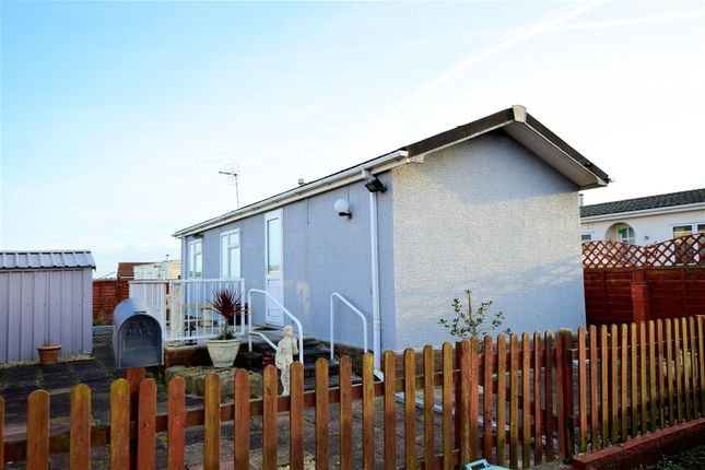 1 bed mobile/park home for sale in Porthkerry, Barry CF62