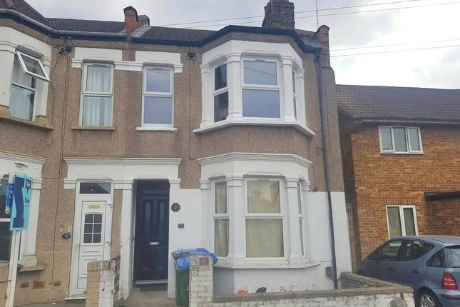 Thumbnail Flat to rent in Myrtledene Road, London