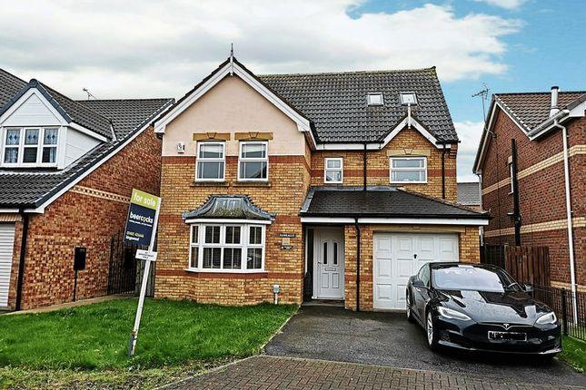 Thumbnail Detached house for sale in Bradgate Park, Kesteven Way, Kingswood, Hull