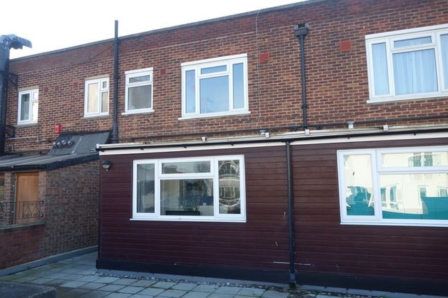 5 bed property to rent in Tolworth Broadway, Surbiton