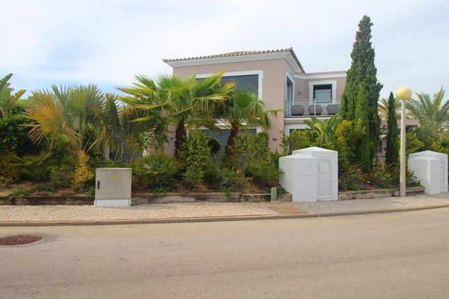 3 bed villa for sale in Loulé, Portugal