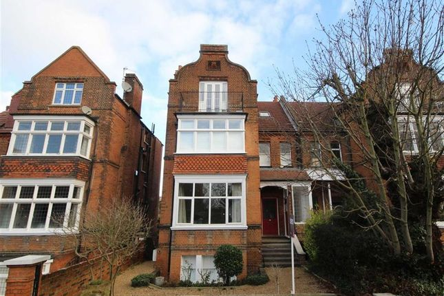 1 bed flat for sale in Cadogan Road, Surbiton
