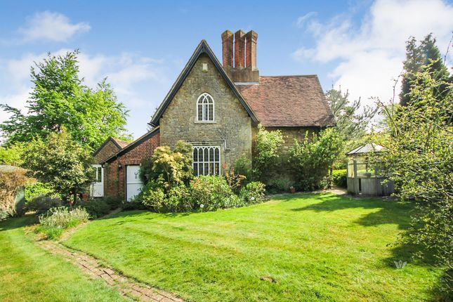 Thumbnail Detached house to rent in Amherst Hill, Sevenoaks