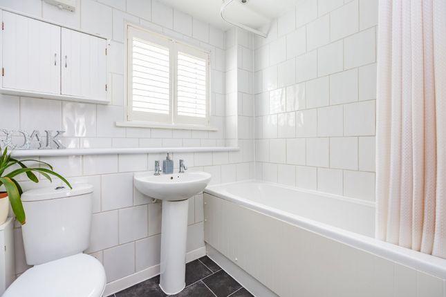 Bathroom of Bazes Shaw, New Ash Green, Longfield DA3