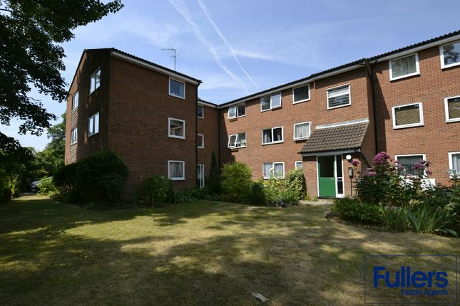 Thumbnail Flat for sale in Queens Avenue, Winchmore Hill