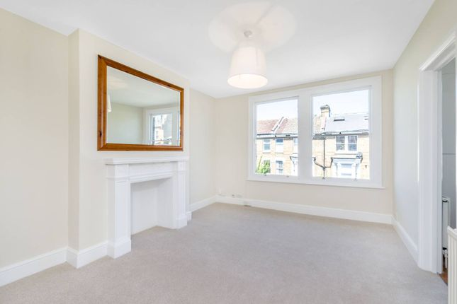 Thumbnail Flat for sale in Fairmead Road, Tufnell Park