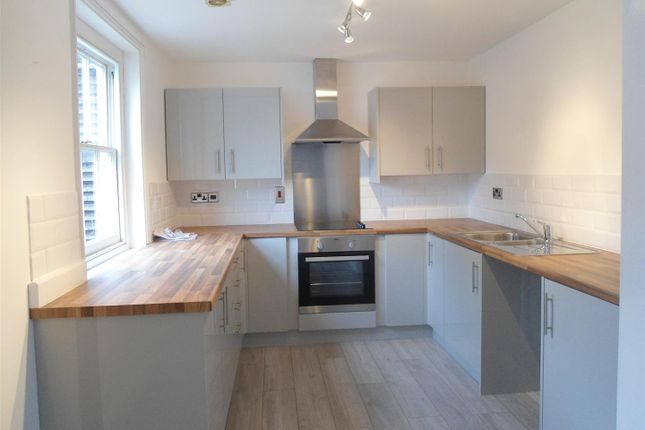 5 bed flat to rent in High Street, Rochester ME1