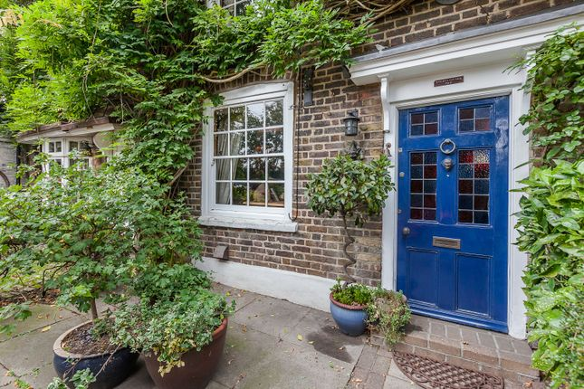 Thumbnail End terrace house for sale in High Road, Chigwell