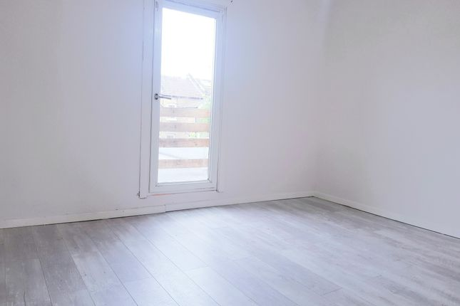 Thumbnail Terraced house to rent in Bounces Road, Enfield