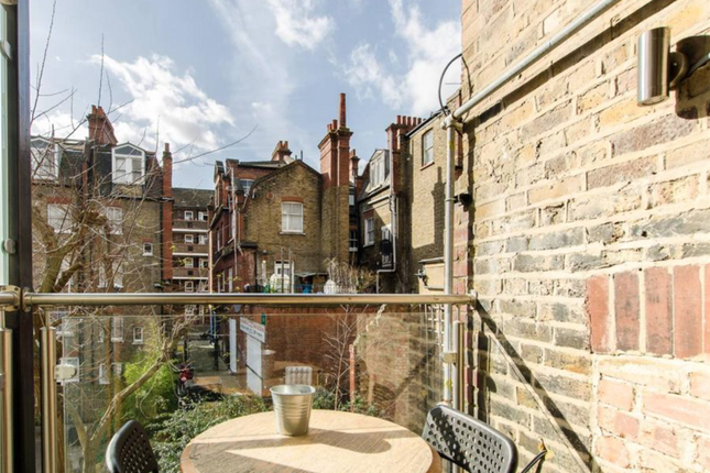 Thumbnail Flat for sale in Casson Street, London