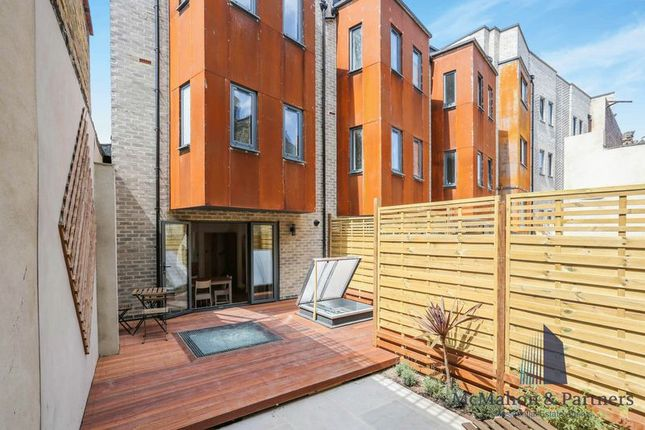 Thumbnail Town house for sale in 1C House, Comet Street, London