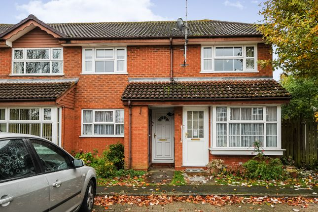 Thumbnail Maisonette to rent in Harvard Close, Woodley, Reading