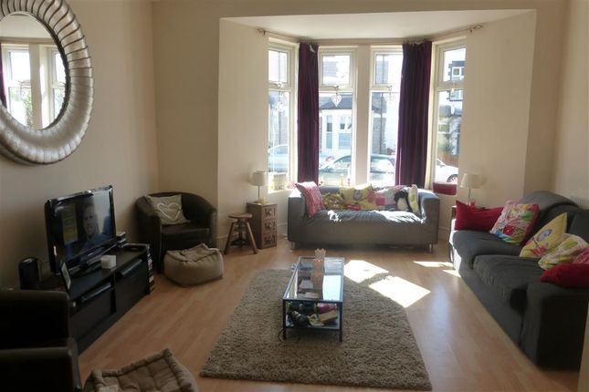 Thumbnail Property to rent in Maughan Terrace, Penarth