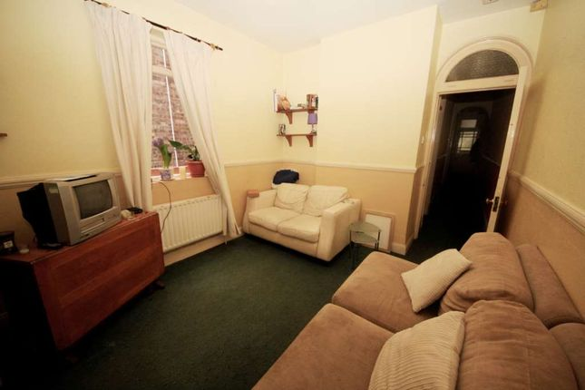 Thumbnail Flat to rent in Crownstone Road, Brixton