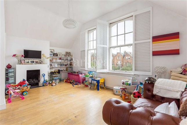 1 bed flat for sale in Canfield Gardens, South Hampstead, London