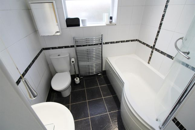 Bathroom of Queens Road, Caversham, Reading, Berkshire RG4