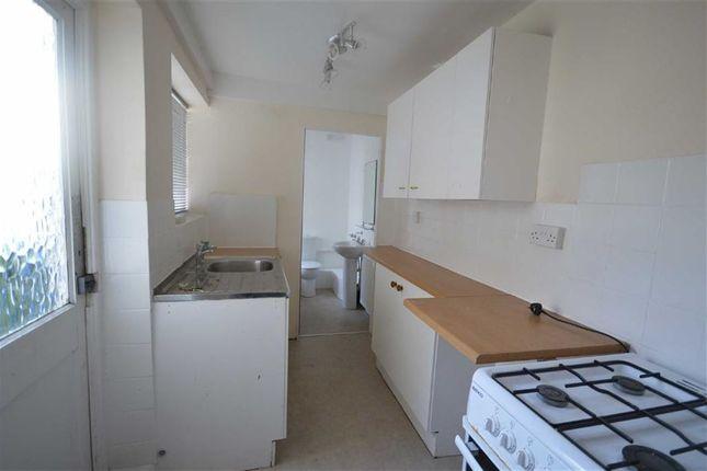 Thumbnail Flat to rent in Clark Street, Scarborough