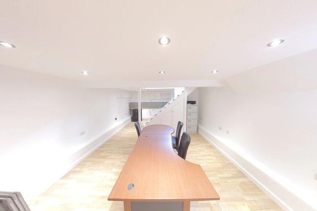 Internal of Garratt Lane, Wandsworth SW18