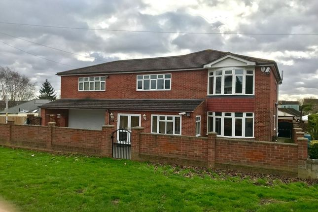 Thumbnail Detached house to rent in Watling Street, Rochester