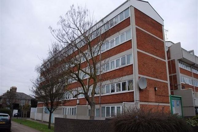Thumbnail Maisonette to rent in Suffolk Square, Norwich