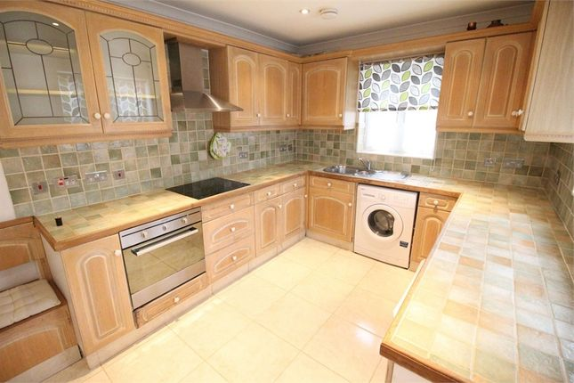 5 bed terraced house to rent in Fairmead Crescent, Edgware, Middlesex