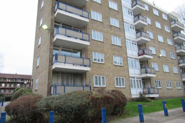 Thumbnail Flat to rent in Champion Park, London