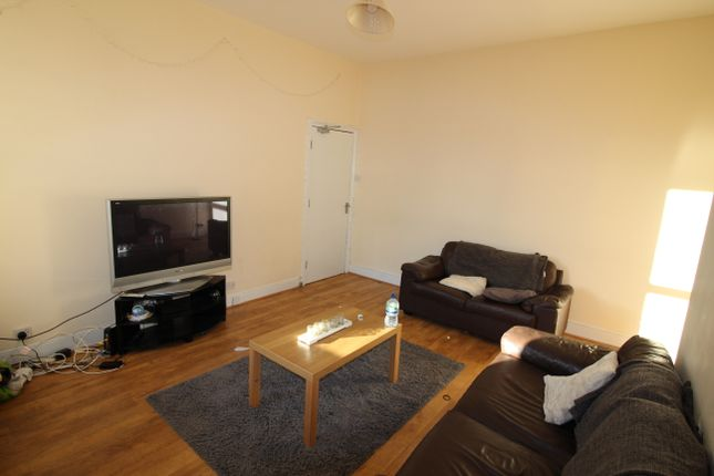 Thumbnail Maisonette to rent in Grosvenor Road, Jemsond, Newcastle Upon Tyne