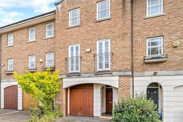 Thumbnail Terraced house for sale in Warburton Close, Islington, London