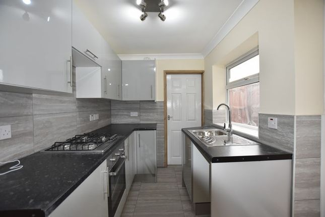 Thumbnail Terraced house to rent in 3 Bedroom House, Crown Street