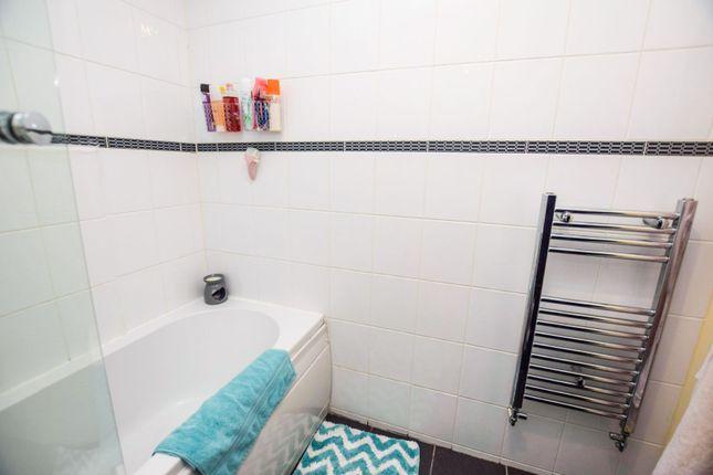 Bathroom of Locks Street, Coatbridge ML5