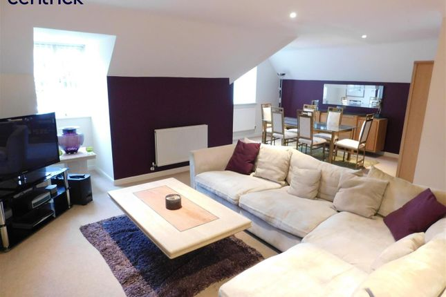 Thumbnail Flat for sale in Oakhill Close, Edgbaston, Birmingham
