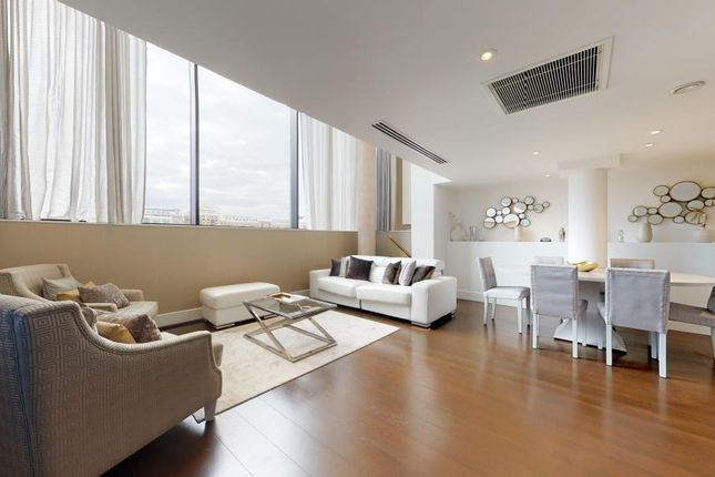 Thumbnail Flat to rent in Tower View Apartments, Wapping