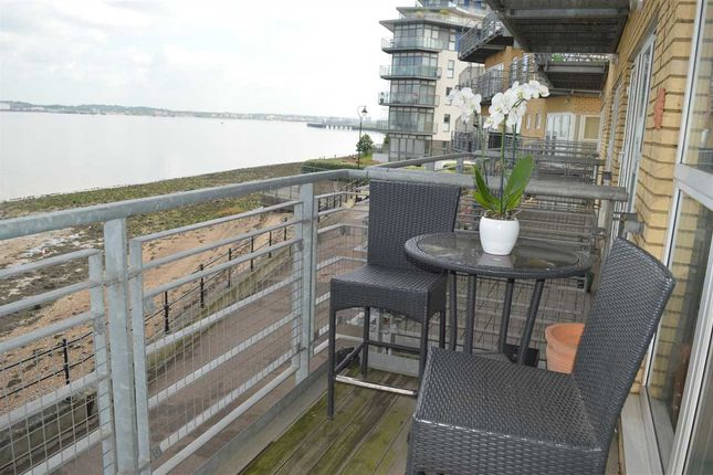 Thumbnail Flat for sale in Portland Place, Greenhithe