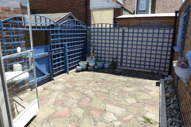 2 bed flat for sale in napleton road ramsgate ct11 44361241 zoopla