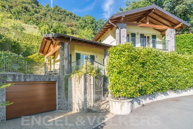 2 bed villa for sale in Cernobbio, Lago di Como, Ita, Italy