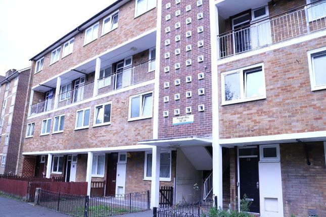Thumbnail Flat for sale in Plough Way, Surrey Quays, London