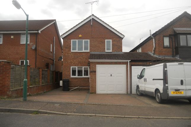 3 bed detached house to rent in Woodlands Road, Norwich