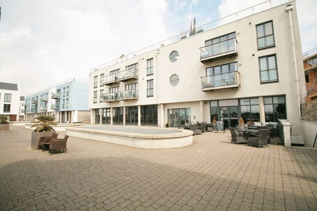 Flat for sale in Waterside Marina, Brightlingsea, Colchester
