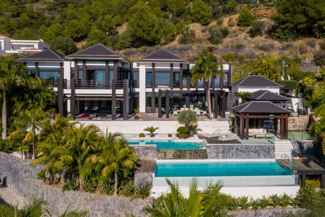 Thumbnail Detached house for sale in Sierra Blanca Marbella, Golden Mile, Málaga, Andalusia, Spain