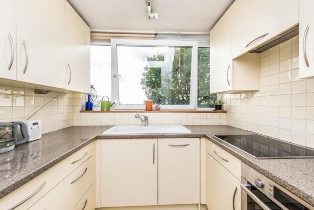 45 howson terrace richmond surrey tw10 2 bedroom flat for Terrace 45 qc