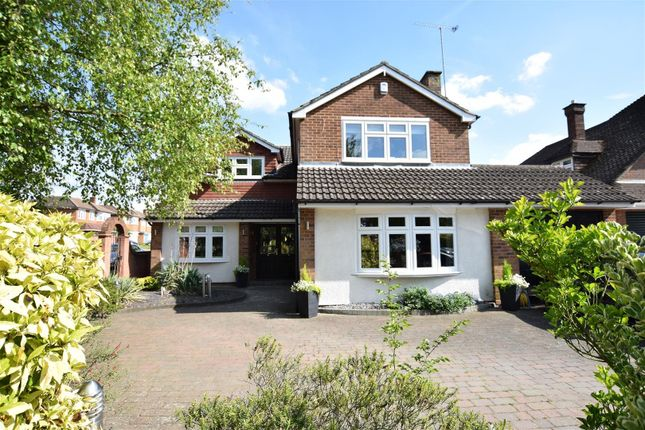 Thumbnail Property for sale in First Avenue, Dunstable, Dunstable