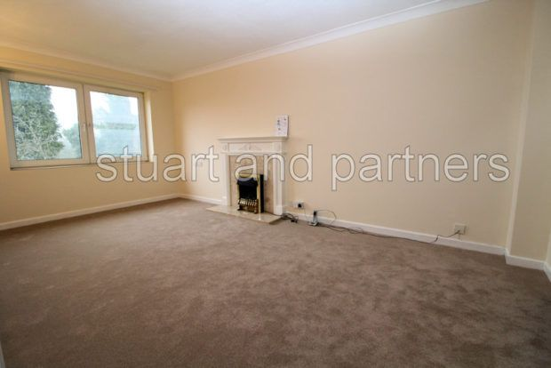 Thumbnail Flat to rent in Heath Road, Haywards Heath