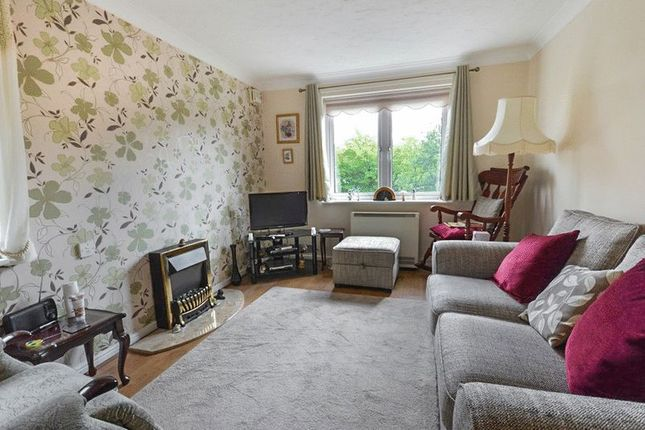 Living Room of Bridgewater Court, Birmingham B29