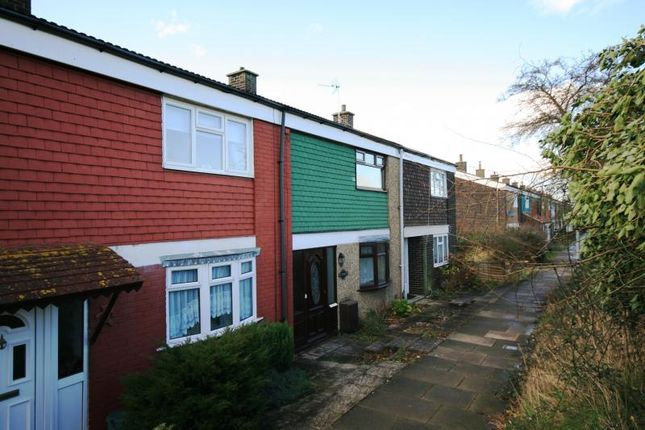 2 bed terraced house to rent in Radburn Close, Harlow, Essex