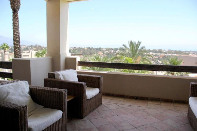 2 bed apartment for sale in El Paraiso, Spain