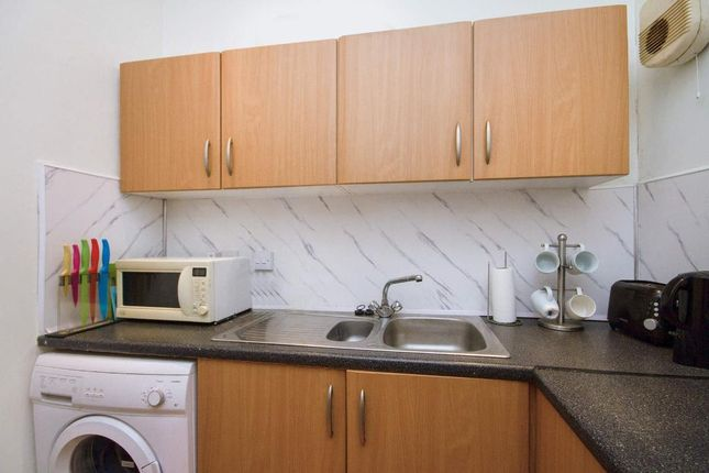 Kitchen of Wellshot Road, Glasgow G32
