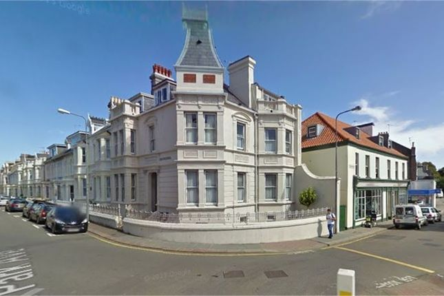 1 bed flat to rent in West Park Avenue, St. Helier, Jersey JE2